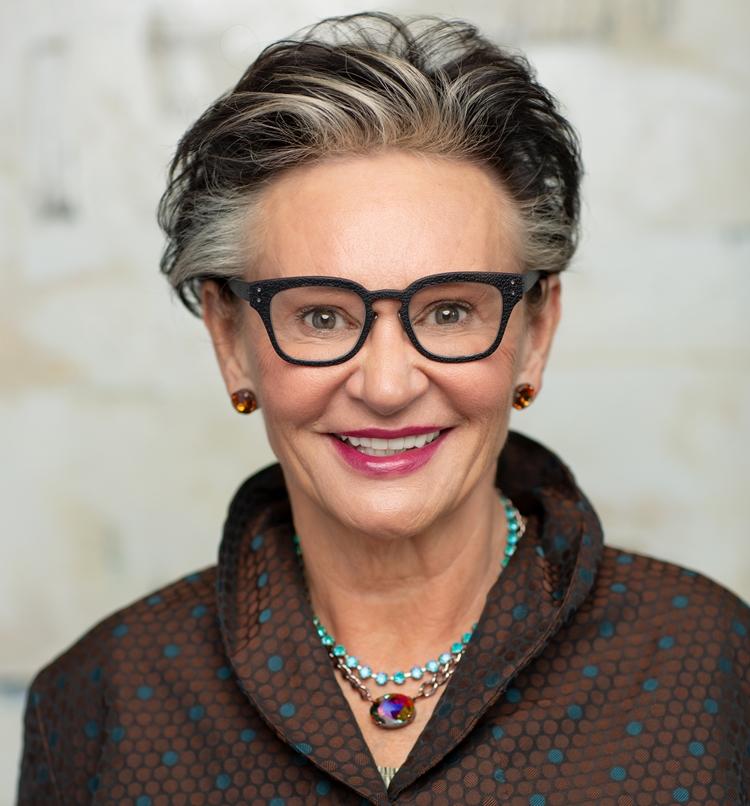 Karin Mayr
